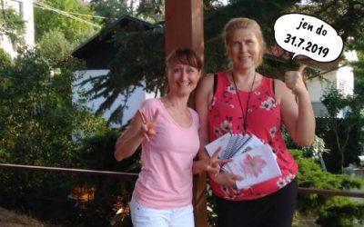 Akce léta 2019 – Kristína rozdává dárky